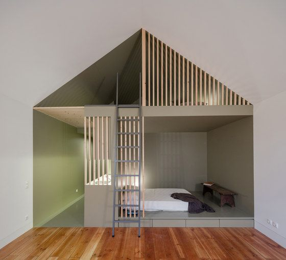 Location/characterisation The project is located in a XIXth century building in the historical centre of the city of Porto. The object of the intervention..