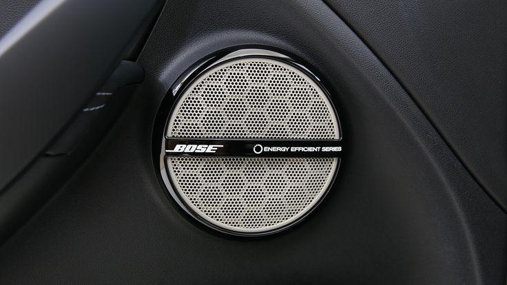 Le système audio Bose offre une expérience acoustique unique à l'aide des 8 haut-parleurs et d'un subwoofer de haute performance installés dans l'habitacle.