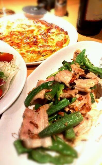 ぴりり(^^) - 5件のもぐもぐ - 豚肉とピーマン、オクラの黒胡椒炒め by takaryoryo