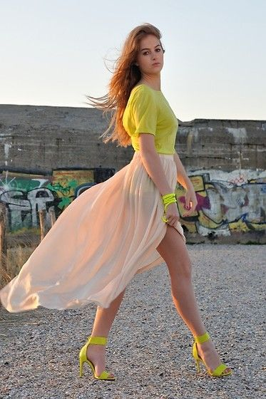 : Colors Combos, Nude Shoes, High Low Skirts, Blushes, Neon Style, Heels, Spring Outfits, Neon Yellow, Maxi Skirts