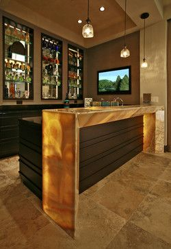 https://i.pinimg.com/736x/ee/e9/f4/eee9f4f56f47a20f236e06b5abeba8c1--media-room-design-wet-bars.jpg