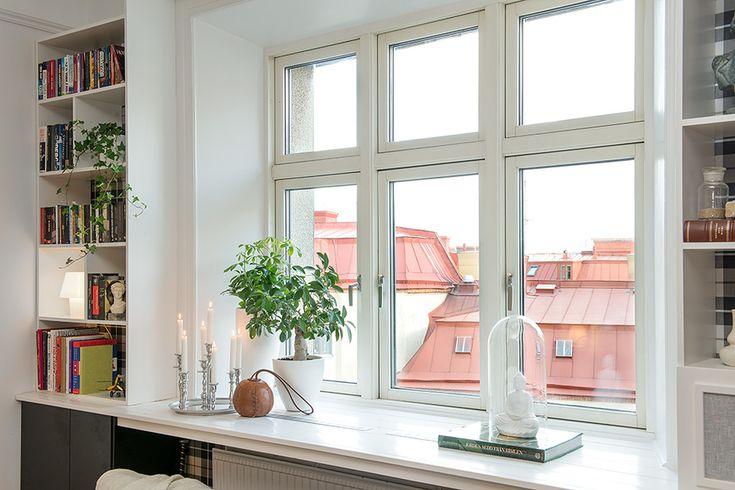 Delightful One-Room Scandinavian Crib With Plenty of Living Space - https://freshome.com/2013/11/04/delightful-one-room-scandinavian-crib-plenty-living-space/