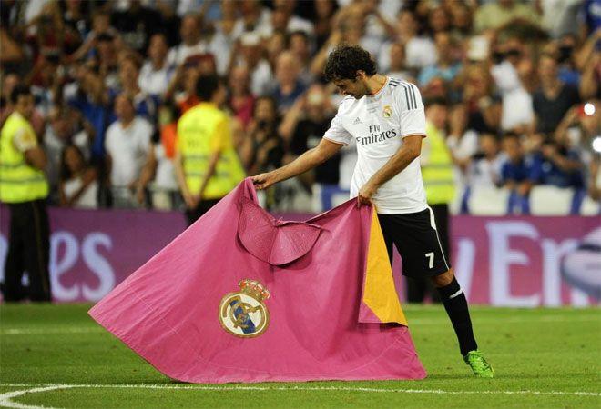 Raúl volvió a sacar el capote en su despedida del Santiago Bernabéu.