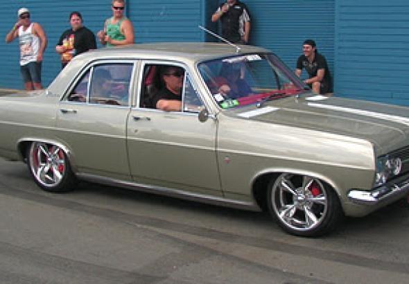 Google Image Result for http://125.7.120.148/A0QD093FM10VQ18/ZE8CB07ABY58HXW/2n3ro2c8ycl3ye5m/jpg/590x410/vehicle/1967-Holden-HR-Premier.jpg