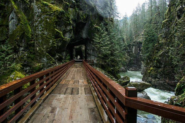 Kettle Valley Trail through the Othello Tunnels (easy)