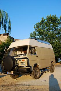 About us - Bluff goes Bluff Asia Tour VW LT 40