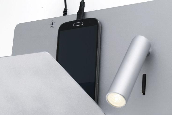Apliques de pared con cargador USB de móviles y lector LED