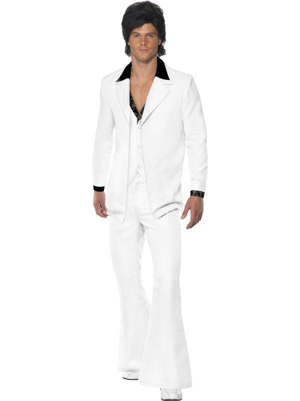 70-luvun miesten puku. Tämä valkoinen miesten puku teki John Travoltasta tanssiparketin kuumimman kollin elokuvassa Saturday Night Fever ja nyt sinulla on mahdollisuus ottaa samat moovsit haltuun tässä samanlaisessa naamiaisasussa. Asusteena toimivat parhaiten tuuheat rintakarvat ja paksu kultaketju. Stayin' alive, man!