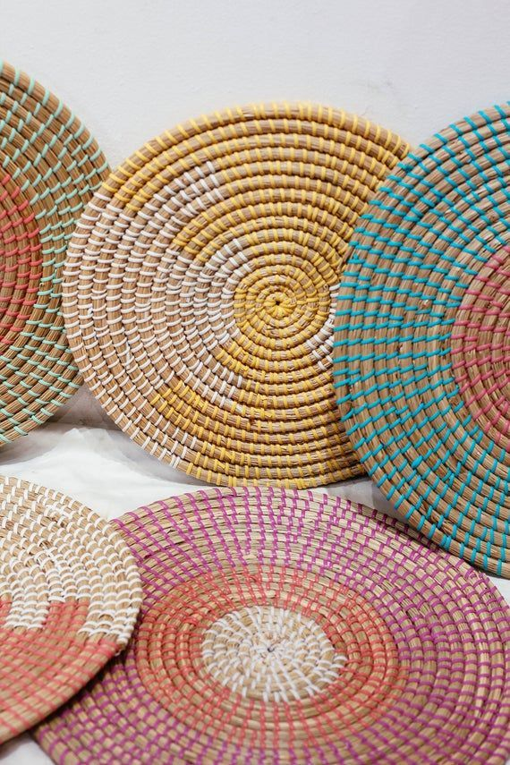 Seagrass Weaving Handmade Placemat Braided Mat Heat Resistant Hot Insulation Vintage Natural Decor Table Top Tablewares Wall Decoration In 2021 Woven Placemats Weaving Woven Baskets Storage