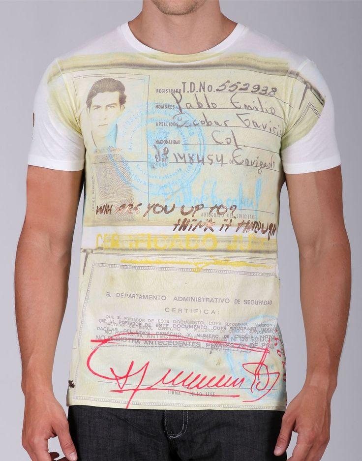Quiero una pero ya! Pasado judicial de Pablo Escobar en una t-shirt.