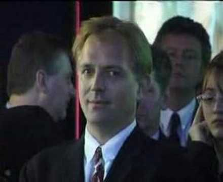 Rik Mayall just being... well, Rik. This candid clip always cracks me up.