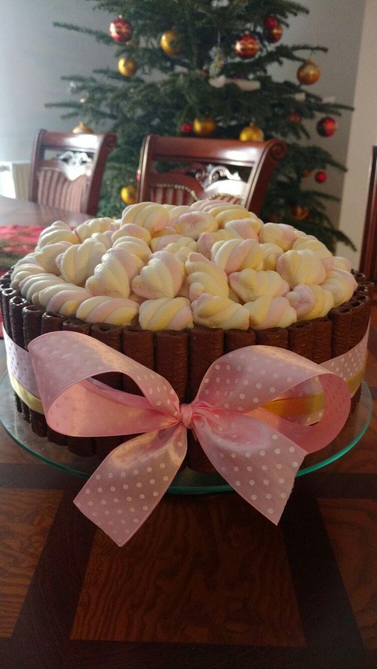 Tort czekoladowo -wiśniowy z piankami- autor Słodka sosnowa
