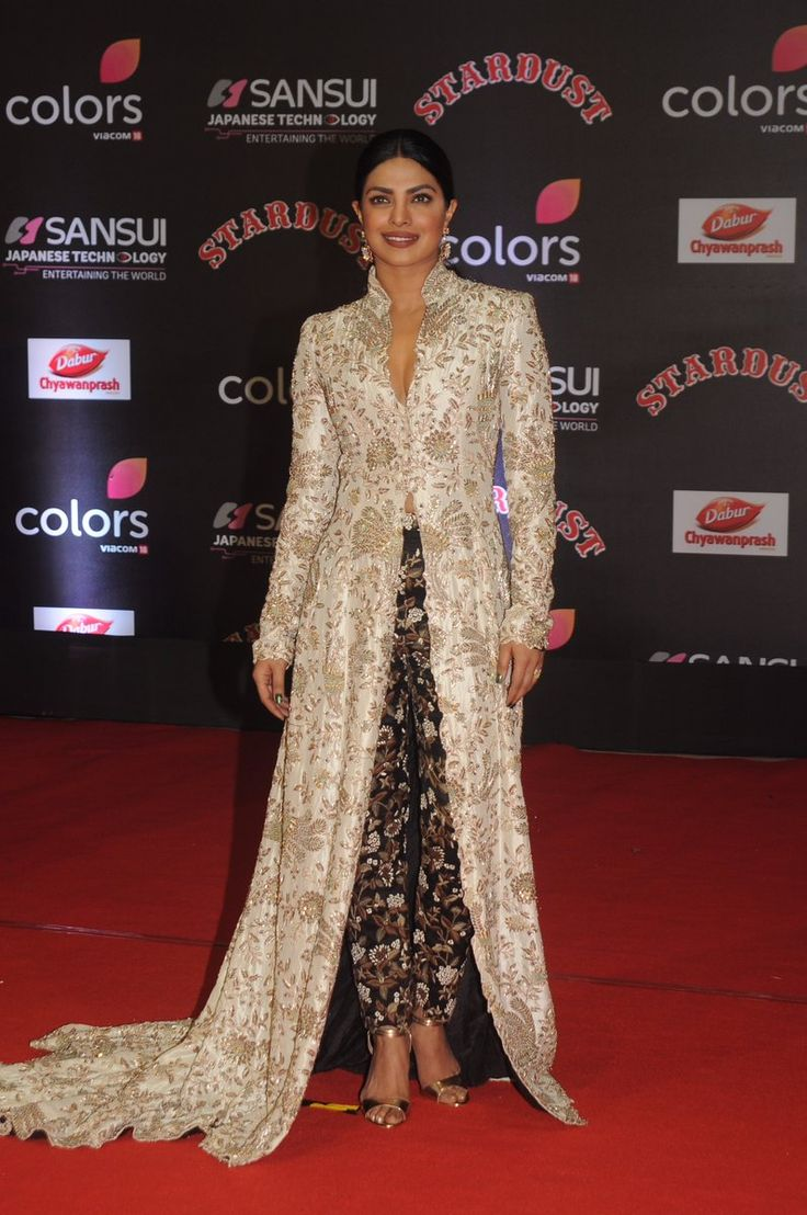 #Bollywood #Fashion 2016-17: Dec 19, 2016: @PriyankaChopra @ 25 Stellar #CelebrityLooks From The Stardust Awards 2016 That Are Totally Worth A Steal! via @topupyourtrip