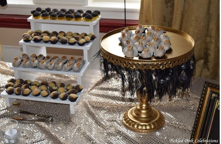 Gold and black Gatsby 1920s themed wedding lolly and dessert buffet styled by www.tickledpinkcelebrations.com.au