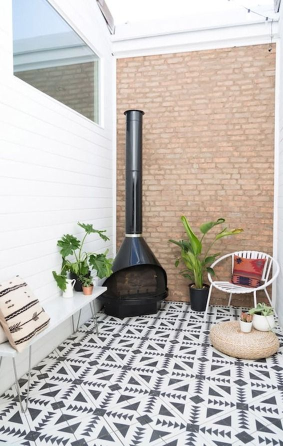 Whether you have a spacious suburban backyard, or a pint-sized urban balcony, we have some inspiration and tips for you to help you spruce up your outdoor space so you can enjoy it all summer long.