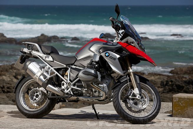 2013 Bmw R1200gs First Ride Review Photos Specs Cycle World Bike Bmw Bmw Motorcycle