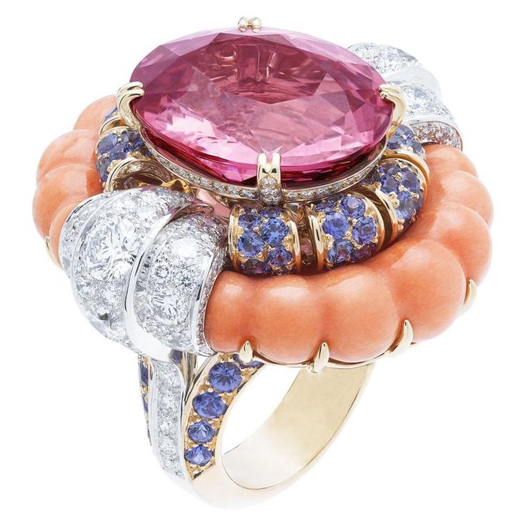 To coincide with Paris Couture Week Van Cleef & Arpels has unveiled its high jewellery collection in the city, glittering with rare gemstones.