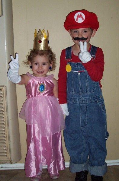 Super Mario Family Halloween Costumes
