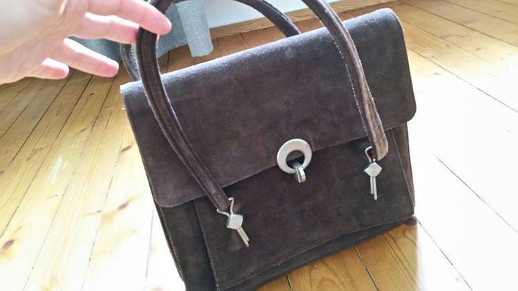 Mein Schwere True-Vintage Handtasche braun mit hochwertigem Verschluss von ! Größe  für 16,00 €. Sieh´s dir an: http://www.kleiderkreisel.de/damentaschen/handtaschen/133065392-schwere-true-vintage-handtasche-braun-mit-hochwertigem-verschluss.