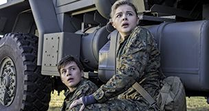 Wave Maker: In J Blakeson's 'The 5th Wave,' high-schoolers face the apocalypse | Film Journal International