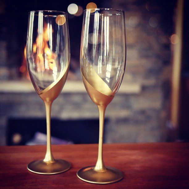 Gold dipped champagne glasses