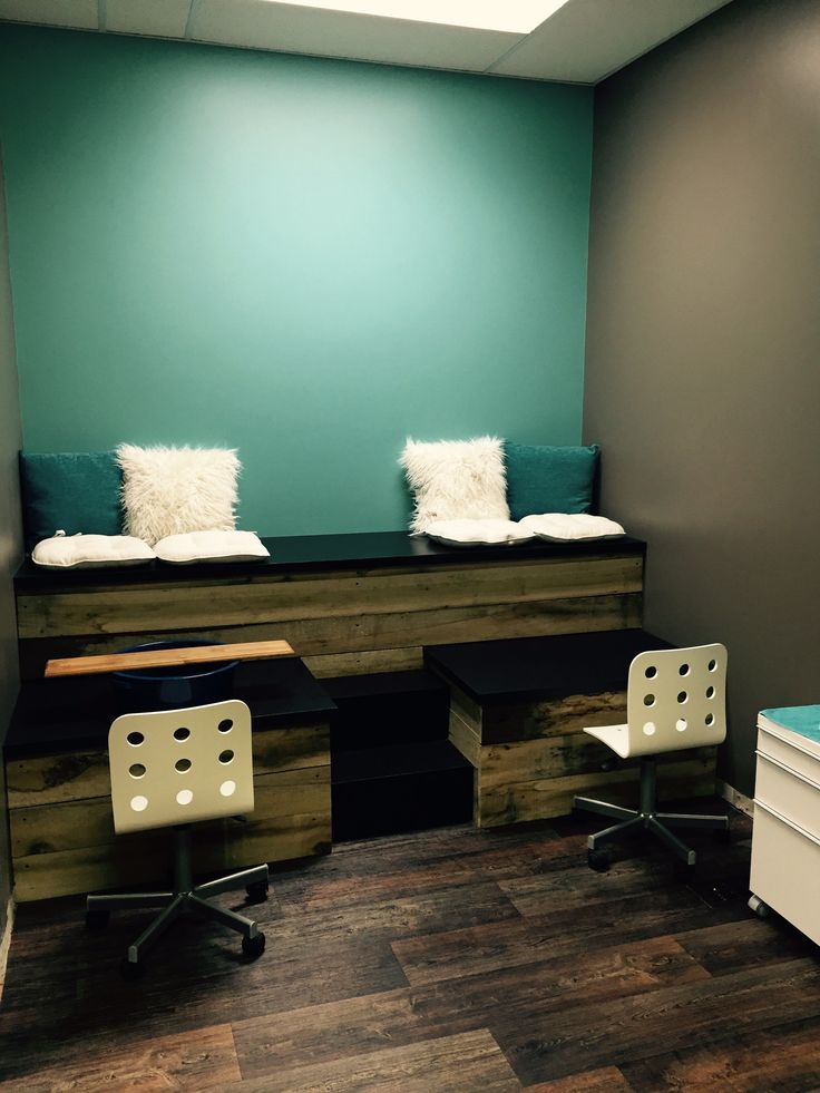 Pedicure station...almost ready!