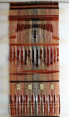 Telaresytapices .... Maria Elena Sotomayor : telar de lanas delgadas....fino ( 70 x 150 cms.) (La Serena)