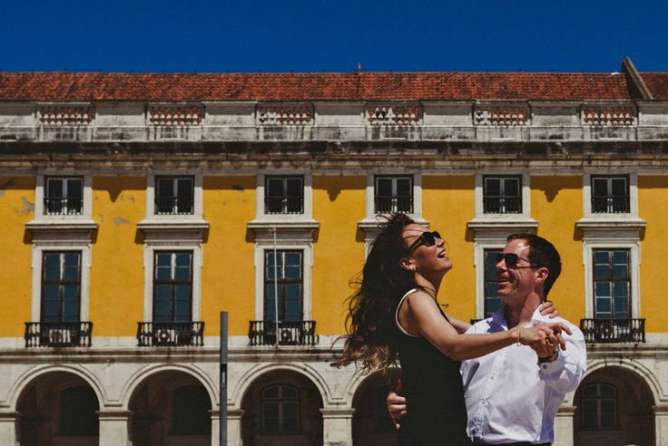 Wedding Photographer Lisbon - Engagement Session with Lara from Russia and Steve from Uk in Alfama, Lisbon and Sintra. Photoshoot in Portugal. Photo By Luis Efigénio - www.quemcasaquerfotos.com