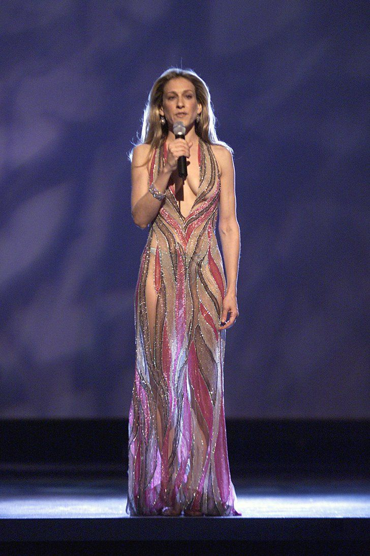 Pin for Later: #TBT: Remember When These Looks Walked the MTV Movie Awards Carpet? Sarah Jessica Parker