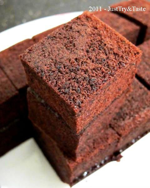 Just Try & Taste: Cake Coklat Kukus Lapis Selai Strawberry