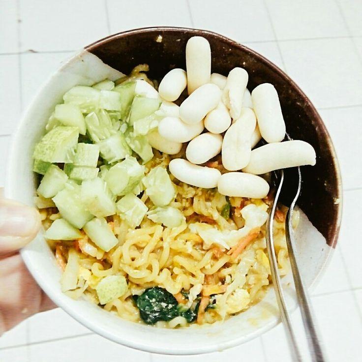 Mie goreng basah istan  ( makanan spesial anak kost 2)