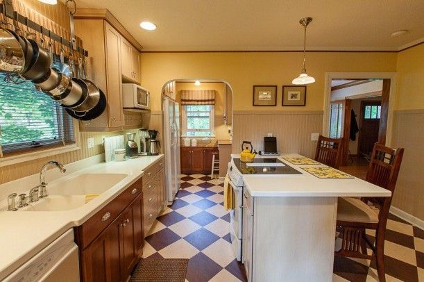 A 1920s Bungalow For Sale In Spokane Best Bungalow Craftsman And Kitchens Ideas