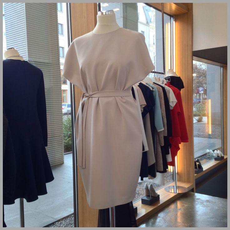 Pudrowa sukienka kimono z kolekcji AW 14/15  Cena 1450 PLN