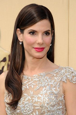 Sleek oscar hair | Copy the sleek side-part hairstyle Sandra Bullock wore to the Oscars