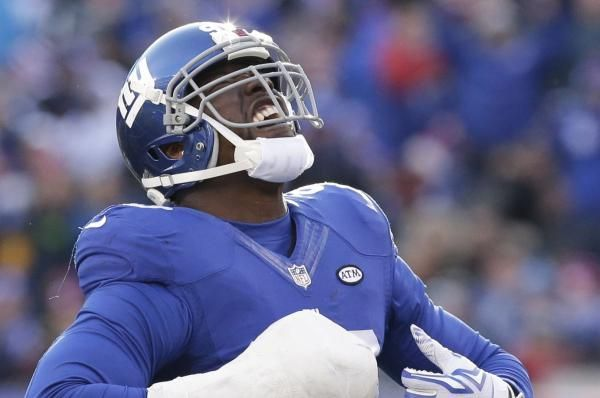 The New York Giants placed the non-exclusive franchise tag of defensive end Jason Pierre-Paul on Monday.