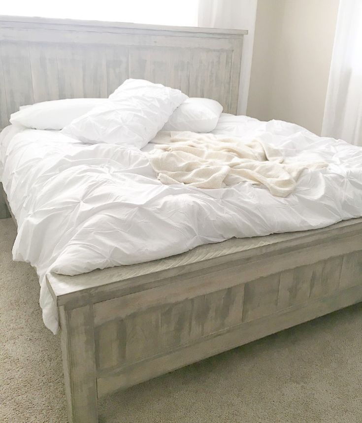 Ana White King Farmhouse Bed