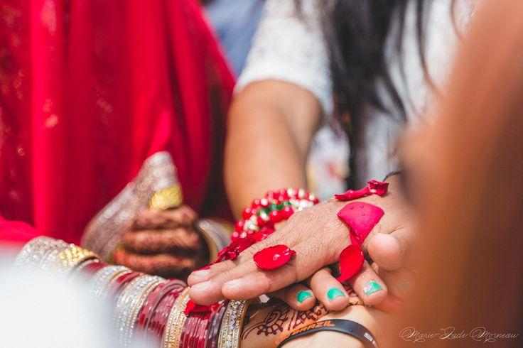Indian wedding, bride, nose ring, bindi married, hare krishna, colombia, couple, portrait, photography, flowers, bouquet, mariée, bouquet, fleurs, white, inspiration, mariage, wedding, photographer, Montreal, hands, nails, nailpolish