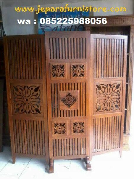 Sketsel Minimalis Jati 3 Lipat atau pembatas ruangan produk jepara ini di kerjakan menggunakan kayu jati dan di finising warna natural