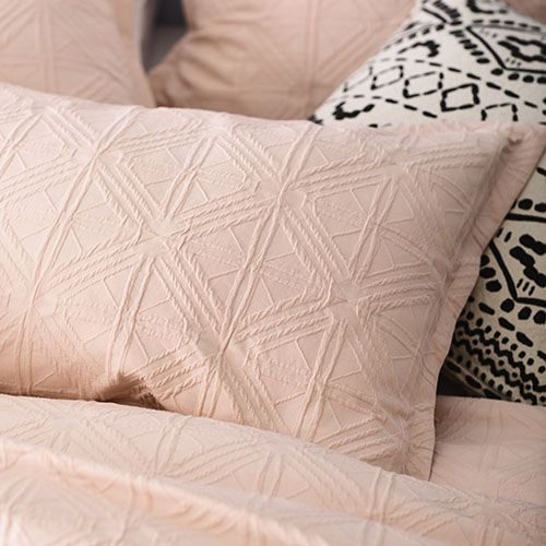 Villa Quilt Cover Blush
