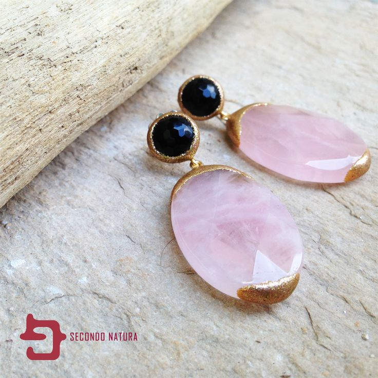 Beautiful earrings with rose quartz and onyx designed by Rubinia