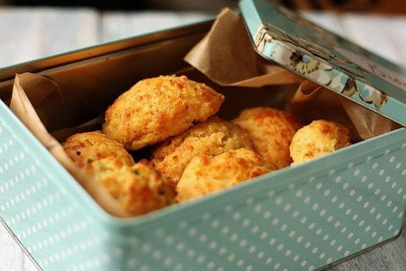 Cheddar Bay Biscuits | How can you resist something with such a lovely name? These are just crying out for some soup to make good friends with.