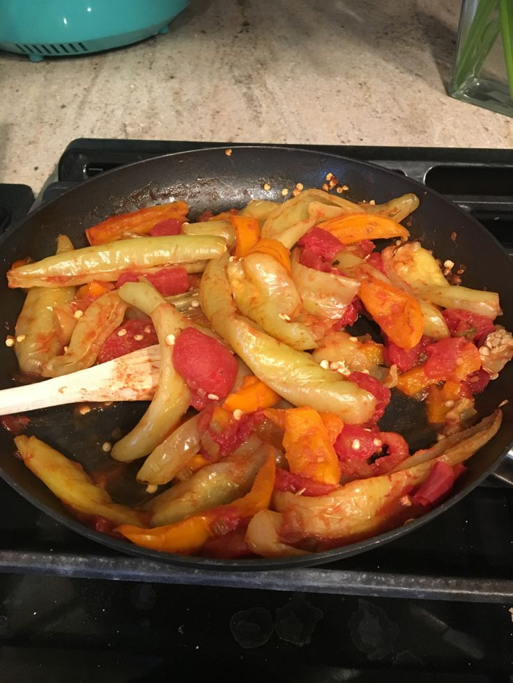 EARTH ANGEL VEGANS HOT BANANA PEPPER AND TOMATO SANDWICHES are a family favorite. My mom used to whip these up every week during the summer when hot banana peppers are plentiful. She used a ton o…