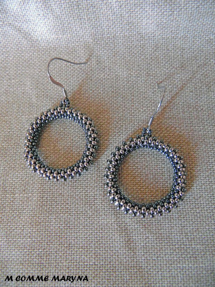 Créoles originales boho chic tissées tube en perles Miyuki Gris et argenté Bohemian Bohostyle : Boucles d'oreille par m-comme-maryna