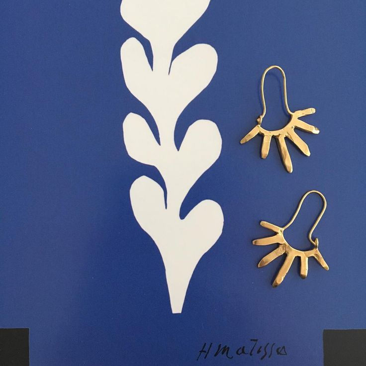 Star earrings. Heights collection. www.goldpoets.com