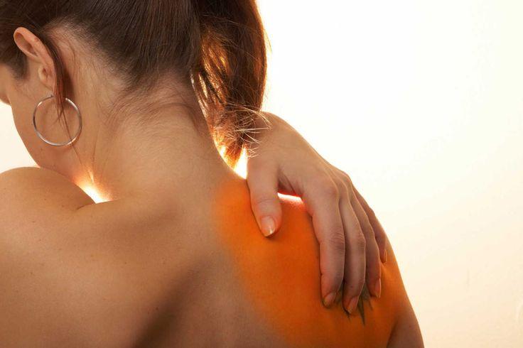 Hoewel ontstekingen een slechte naam hebben, is het een essentieel onderdeel van het lichamelijk herstelvermogen. Zonder een ontsteking zouden we kunnen sterven aan een simpele infectie. Ontstekingen beschermen ons tegen bacteriën, virussen en andere indringers zoals schimmels. Ook bevordert het het herstel van weefselbeschadiging. Bij een ontsteking horen pijn, roodheid, warmte en zwelling. Een teveel …