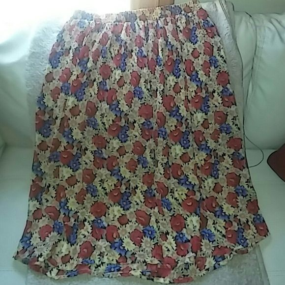 floral maxi skirt beautiful colors and pattern flowy and