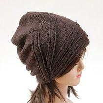 czapka -brązowa z paskami, czapki i kapelusze - damskie