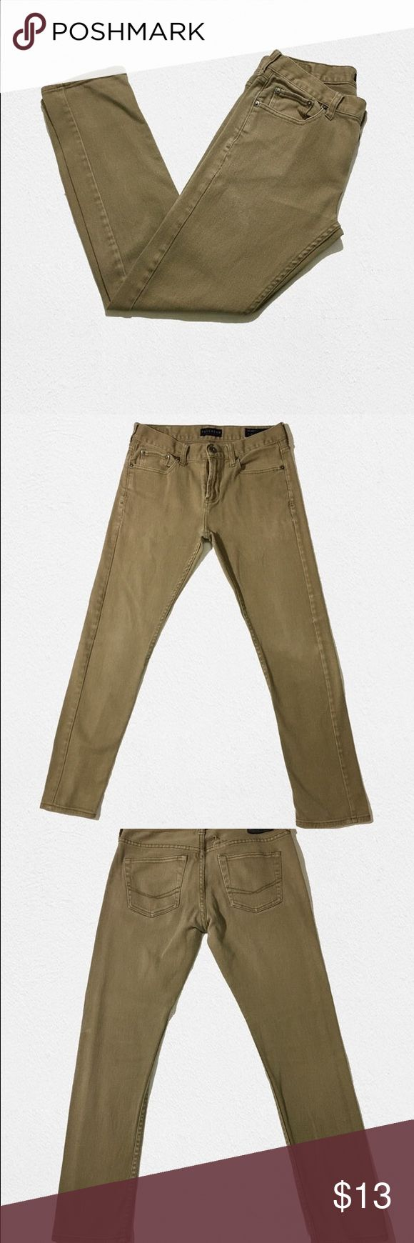 "Bullhead Denim Skinny Men's Jeans Khaki BULLHEAD DENIM SKINNY KHAKI PANTS Used, but still in great condition.   Size: 29x30  Measurements (FLAT)  Length: 37.5""  Inseam: 27"" Waist: 15""  Thigh Width: 10"" Ankle Opening: 6.5"" Bullhead Jeans Skinny"