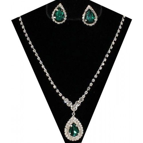 just arrived this beautiful emerald green set available in other colours
