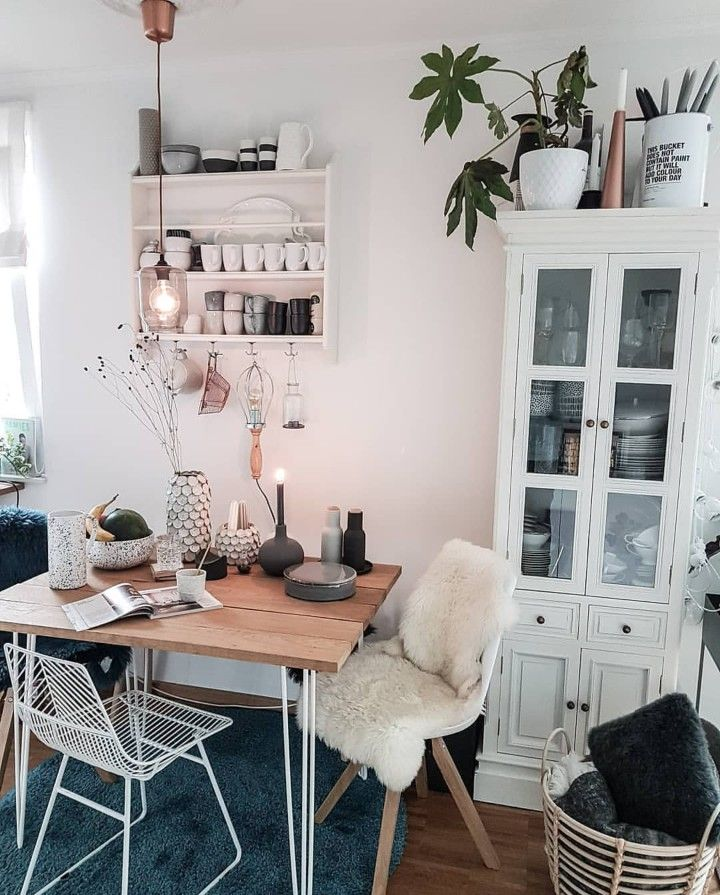 Kleiner Essplatz Im Scandi Look I Love This Interior Design It S A Great Idea For Home Decor Home Design Homedeco Kleines Essen Kleiner Esstisch Haus Deko